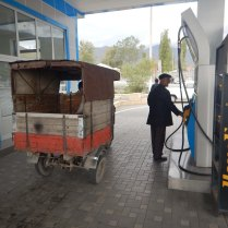 Filling up in Sheki, 19 Oct 14