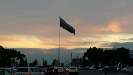 20141115 blog 06 flag at sunset, Baku