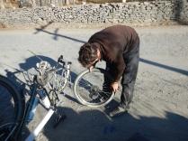 Discovering the split rim, 30 kms from Khorog, 5 Dec 14