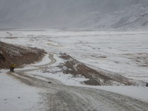 Windy path up to the Kyrgyz border, 25 Dec 14