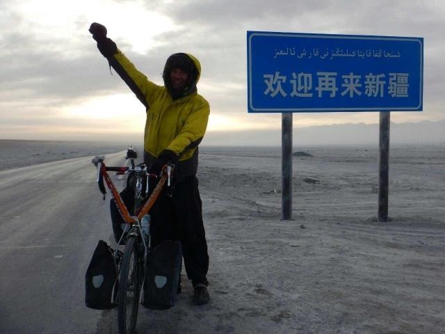 Leaving Xinjiang by an asbestos factory, 19 Jan 2015