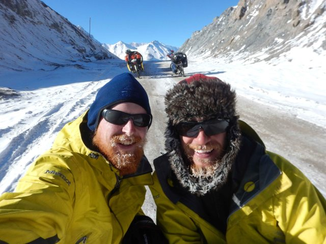 DSCN8379 Laurence & Nick at Ak-baital Pass, 4655m, 24 Dec 14 comp