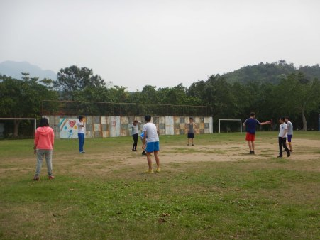 Teaching the Yinghao schoolkids some rugby